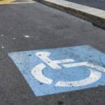 Dsabili, disegno di legge parcheggio gratuito strisce blu